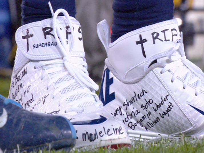 Chris Johnson honors Sandy Hook victims with names on shoes (Video)