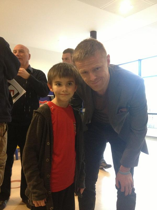 @fulhamfc my lil man with Damien duff today #topbloke http://pic.twitter.com/9fc8ebg6