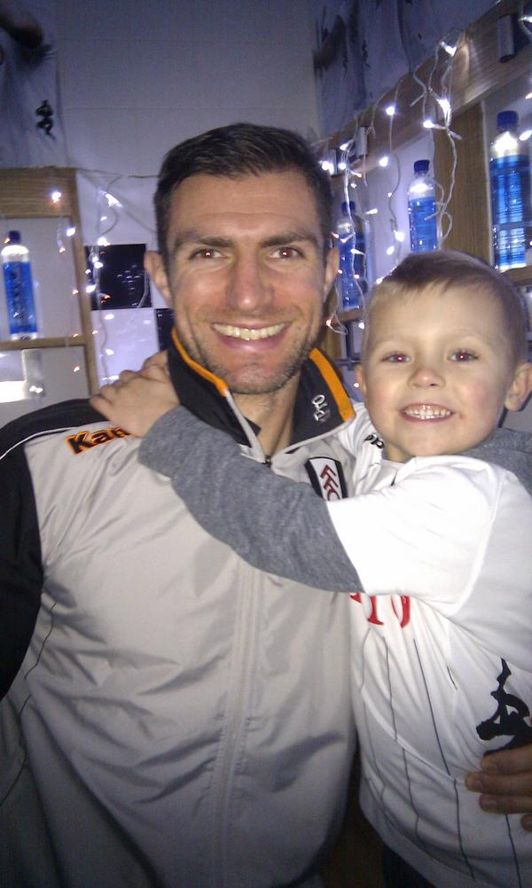 Jack had a great time @FulhamFC  for Xmas at the cottage. @AaronHughes18 http://pic.twitter.com/6D4fJuuu
