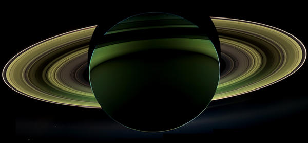 """MT:@NASAKennedy: @NASA's @CassiniSaturn in orbit for 8+ years delivered a glorious view of Saturn http://t.co/dOTUpZWQ http://t.co/U9i36LKL"""""""
