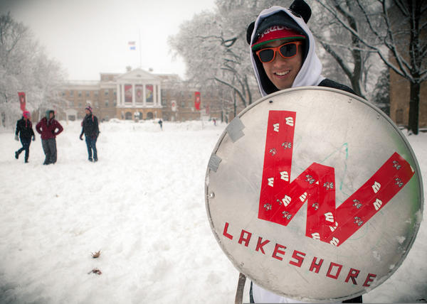 Lakeshore prevails over Southeast in the 2012 @UWMadison Battle for Bascom, staying undefeated at 3-0 all time. #wiwx pic.twitter.com/nN94M7TO