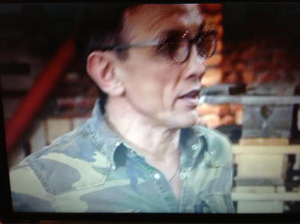 """Barbieri in mimetica...si è calato nella parte del sergente. Chi sarà """"palla di lardo""""? #MasterChefIt http://pic.twitter.com/0hXWhynX"""