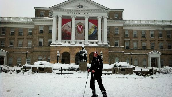 Another item checked off of the pre-graduation bucket list: ski down Bascom Hill @UWMadison #Draco pic.twitter.com/pWCzatRm