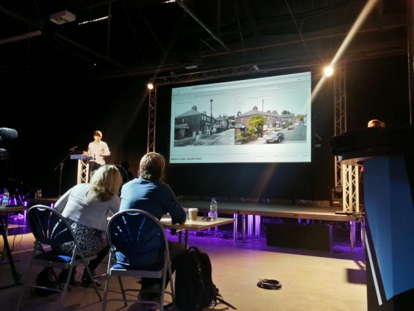 Match old photos with Google Street view. Amazing project! #yrs2012 /cc @Sarah1611 http://t.co/IGwM6IpW