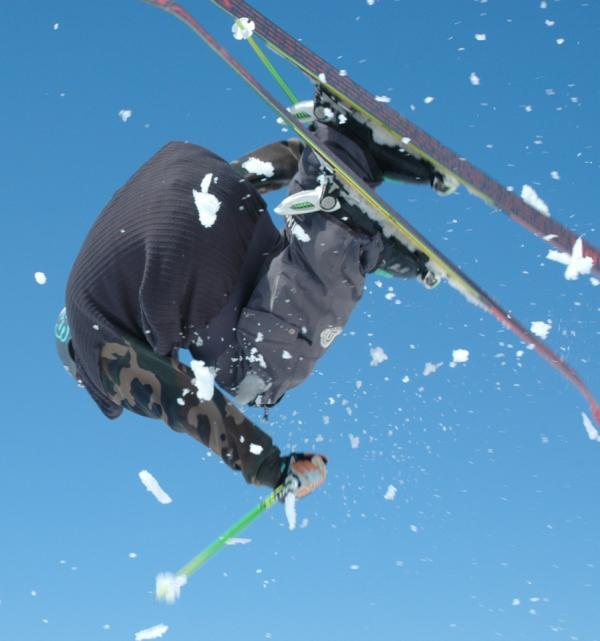 1st @powdermagazine is out with reviews of PDX gear @garmontna, @on3pskis; let snow fly