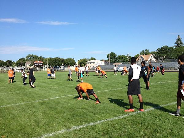 South HS football starting out the first official day of fall practice with some conditioning. #mshsl http://pic.twitter.com/wJ58BzCC