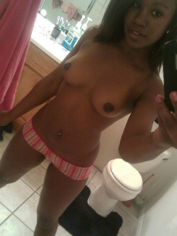 black girl tits selfie