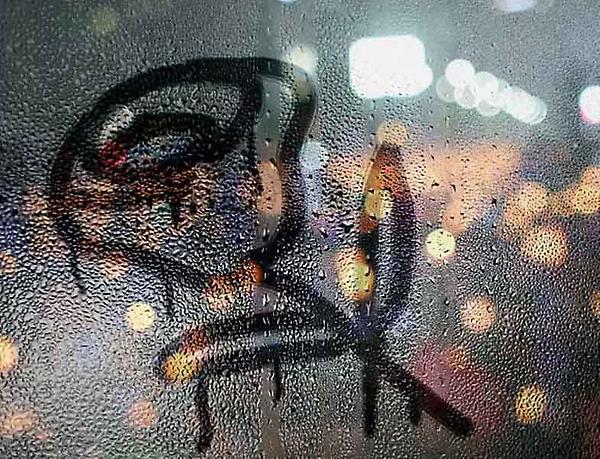 назначение детали фото рисунков на запотевшем стекле школы
