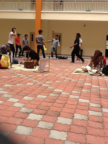 Fak 5h On Twitter Permainan Tradisional India Marilah Cuba Permainan Ini Hanya Di Festival Anak Kampung Komedlendu Faktalendu Http T Co Eu0dyeym