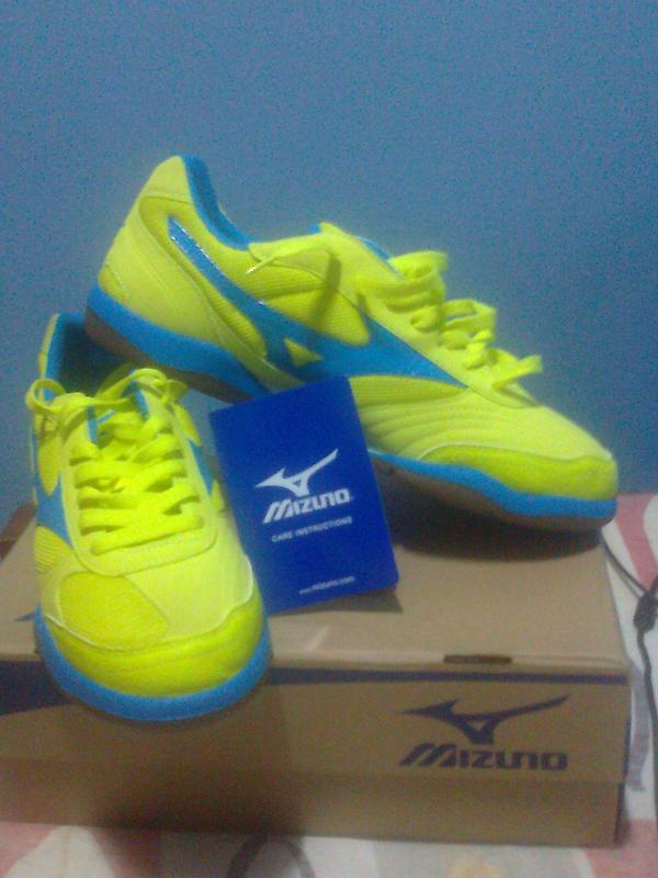 mizuno womens volleyball shoes size 8 queen zara homme france