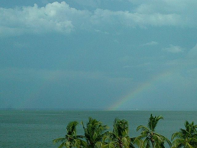 RT @maracaiberadas: Arcoiris en el lago #Maracaibo http://t.co/FzHhr4G2 vía @montillita