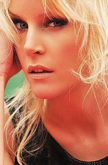 Alexandra Larsson la Diosa Sueca de ShowMatch, sus fotos