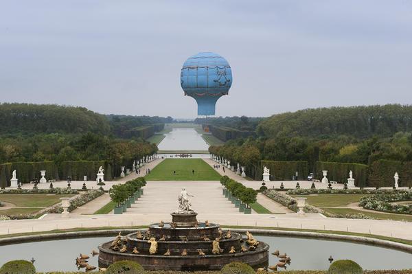 """Château de Versailles on Twitter: """"Lundi #jourdefermeture tournage dans les  jardins d'un documentaire sur le premier vol de montgolfière à Versailles  http://t.co/mpzJsfgM"""""""