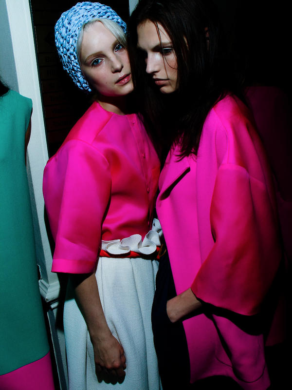 First live Twitter Q&A for SS13 is at 3pm with designer @RoksandaIlincic, get your questions in with hashtag #AskLFW! http://pic.twitter.com/cQu6c6P6
