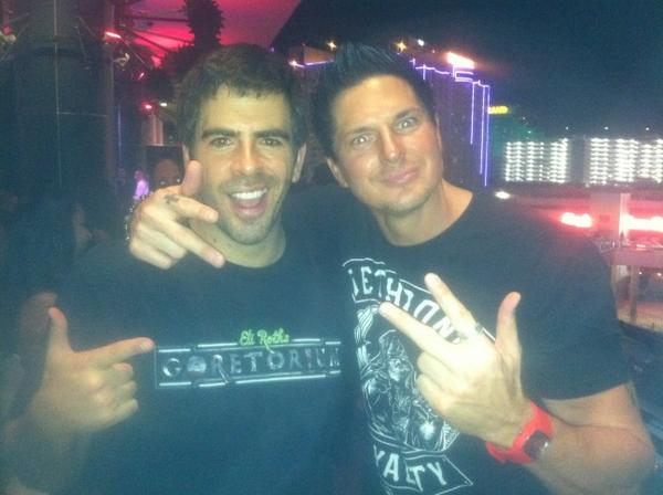 @eliroth is awesome http://pic.twitter.com/aMUzbjbo