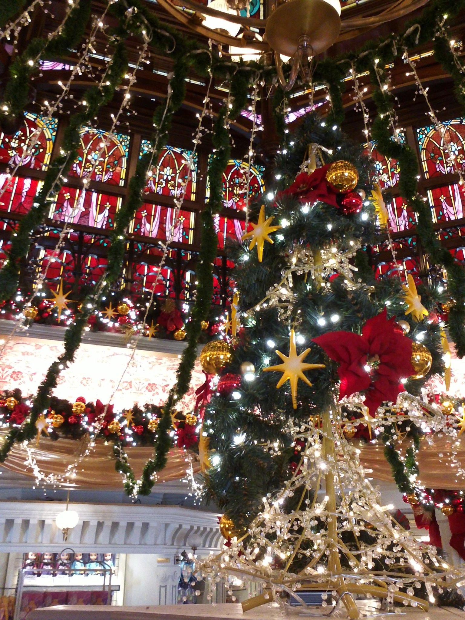 Le Noël Enchanté Disney (du 9 novembre 2012 au 6 janvier 2013) - Page 4 A3EX41jCUAACOAO