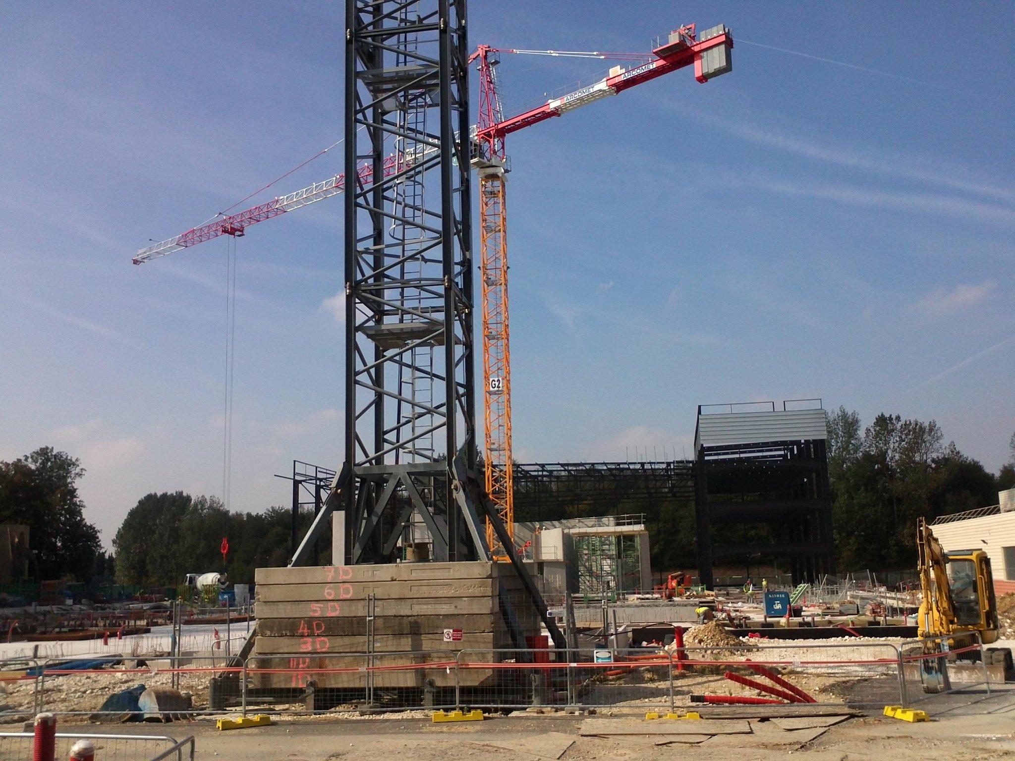 Construction du Dark Ride Ratatouille pour 2014 - Page 38 A3KtlgHCEAACCTV