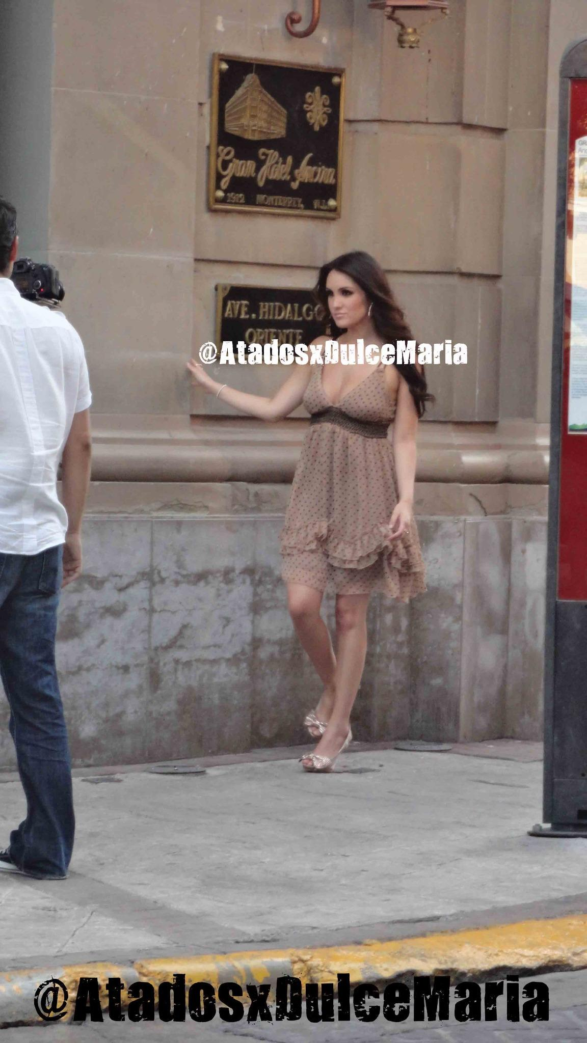 Dulce Maria. [9] - Page 2 A3Rlnd9CMAApOns