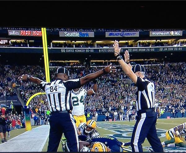 If there was ever an official photo of this whole replacement ref debacle, this is it http://pic.twitter.com/5eIGjRdR