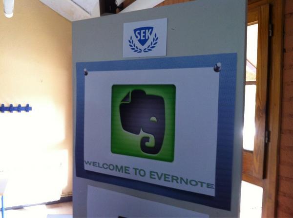 Ya estamos preparados para grabar el evento de Evernote en el Colegio SEK El Castillo # http://pic.twitter.com/7pHX8loS