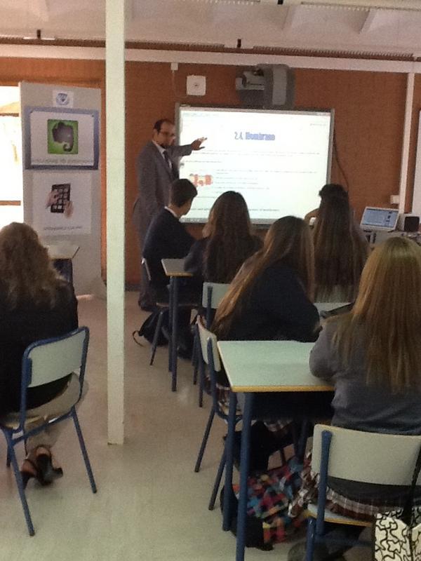 Todos los profesores implicados con @evernote_es en la @institucionsek http://pic.twitter.com/Cj3m4KHW
