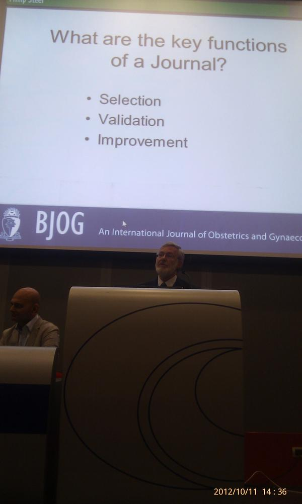 Professor Philip Steer starts the #BJOG author workshop giving delegates reasons to submit to the journal http://t.co/VNC0j0Ph