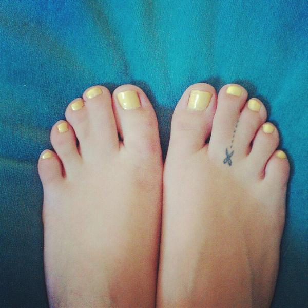"kaitlyn virgin on twitter: ""@is_anyone_up webbed toes, both feet, Skeleton"