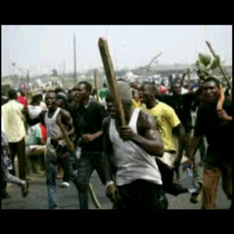students of the university of port harcourt are attacking an area co
