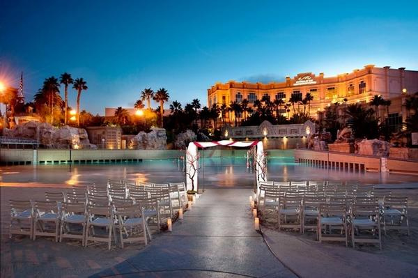 Mandalay Bay Resort On Twitter Looking 4 The Perfect Beach Wedding Plan Your Special Day At Http T Co Mvn4n9x1 Weddings Vegas