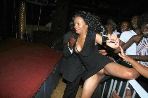 lesbienne africaine escort girl bar le duc