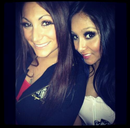 @DeenaNicoleMTV and @Snooki today hanging out. My #meatballs are amazing. http://t.co/Bhm1jD1p