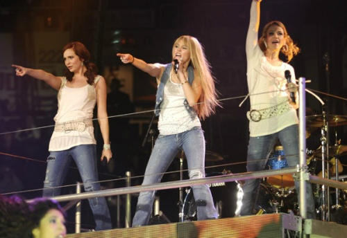 Candice Accola Hannah Montana Tour