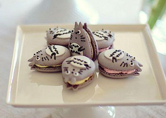 Oh these are cuter than the ones I tried to make XD RT @nippon_en: Totoro + macaron = Totoron. http://t.co/rmXircoiV6