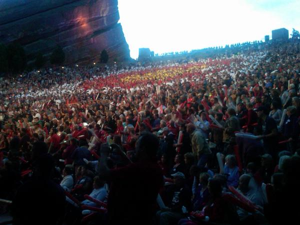 Red Rocks in CO for @MittRomney Unbelievable crowd.  VICTORY pic.twitter.com/S3q2RhmF