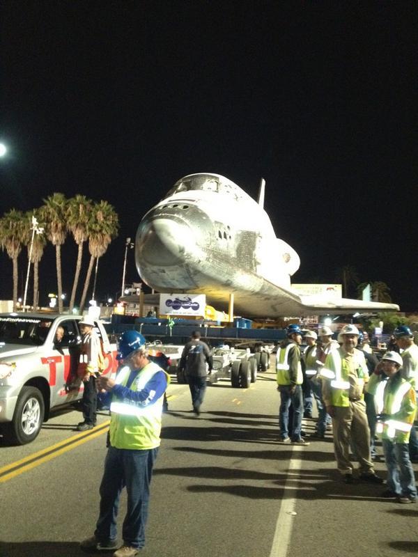 [Endeavour - OV-105] Destination California Science Center (Sept. 2012) - Page 5 A5ERwOjCYAAkU5i