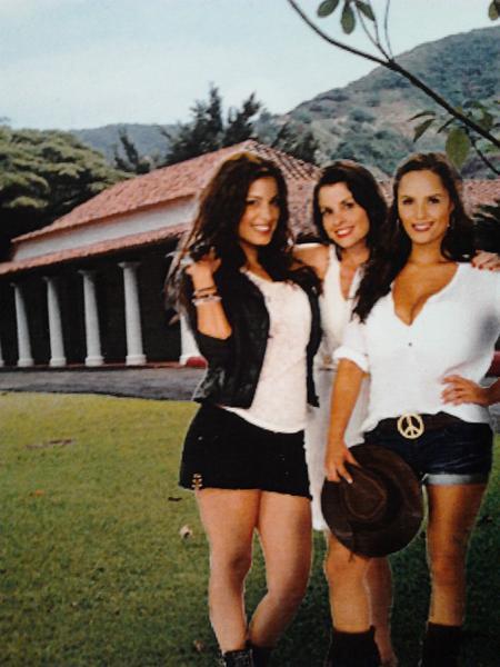 "Ana lucia Dominguez on Twitter: ""Las bandidas..@DBascope ..."