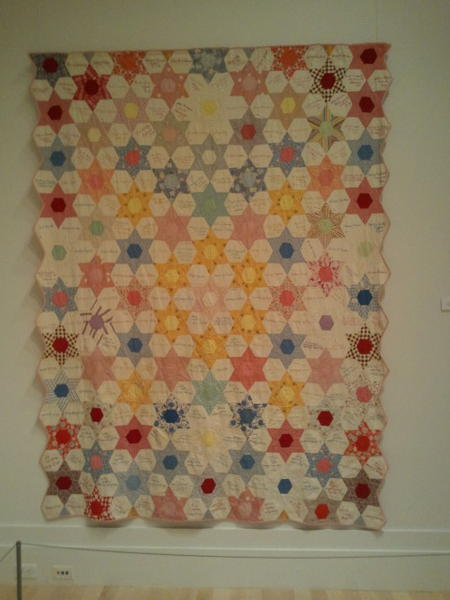 This is another of the inscribed quilts which was made by a woman who listed the names of people she knew. http://pic.twitter.com/SKtX5Ryw