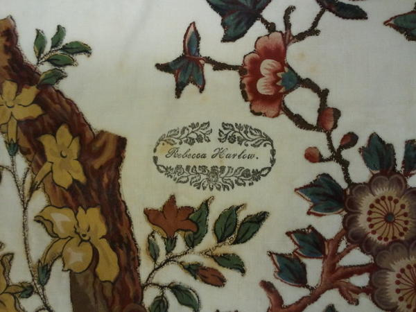 Here's one example of how a quilter may have left her mark on a 19th C quilt. From the @quiltstudy collection. http://pic.twitter.com/8Xi1JDtI