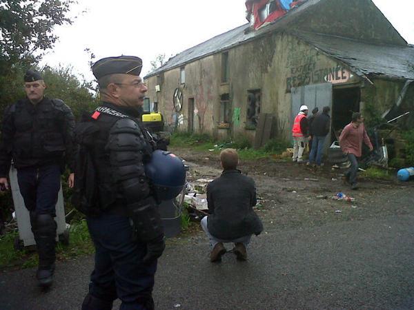 A5Ugul9CAAAzDgt En direct de Notre-Dame-des-Landes : opérations militaires d'expulsion en cours
