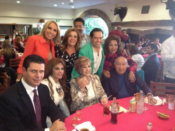 Лусия Мендес/Lucia Mendez 4 - Страница 29 A5cbZX7CEAE2KqZ