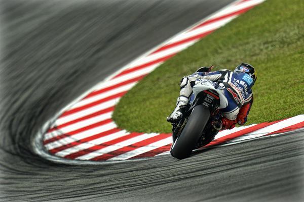 MOTO GP 2012  A5ow_iiCAAECQak