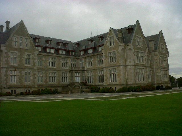 Y llegamos! Palacio de la Magdalena. @BlasKB http://t.co/NY9weRDB