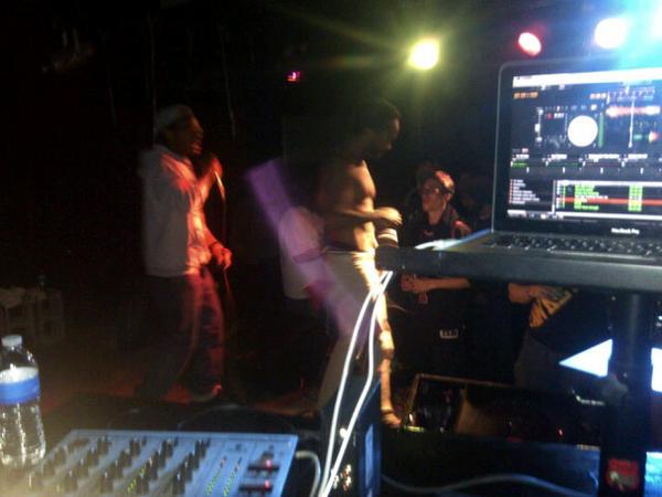 @drugmuzic opening for @freddiegibbs @djpatxkl #xklsat http://pic.twitter.com/hlTfoqUP