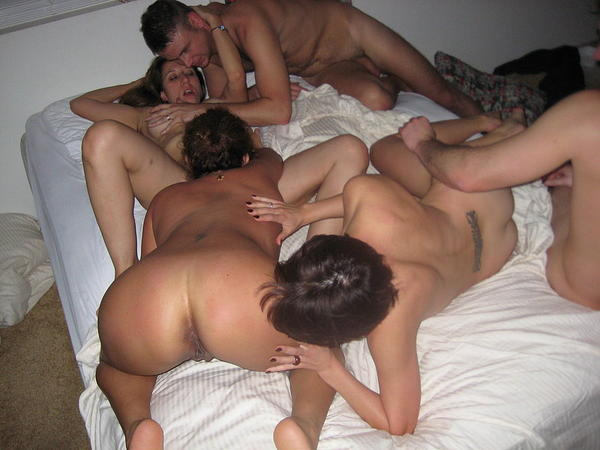 Homemade amateur foursome swingers free porn galery