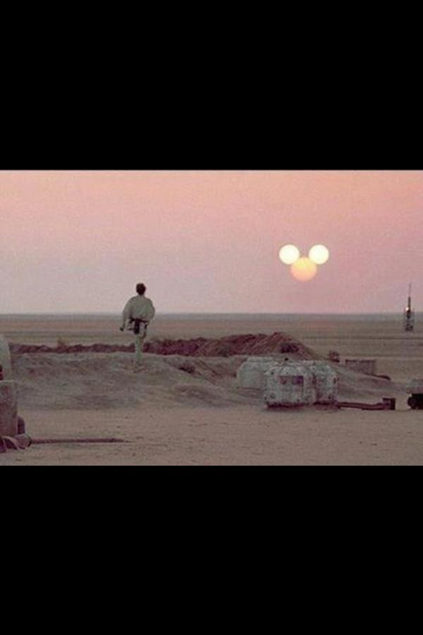 I was ok with the whole Disney thing...until they made this adjustment to our binary suns #starwars #disney http://t.co/zZ3LTOMq
