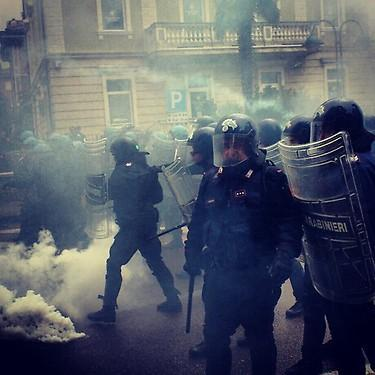 Tear gas against anti-austerity protesters in Rome #270