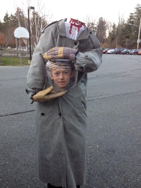 My sister in Vermont made a costume for her son & it's actually pretty cool http://t.co/4xzg1d9J