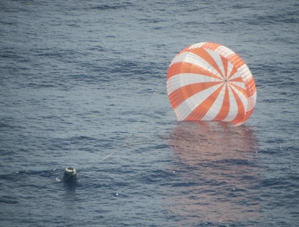 Space X: Suivi de la mission CRS-1/SpX-1 - Page 5 A6VJQI3CQAEukpE