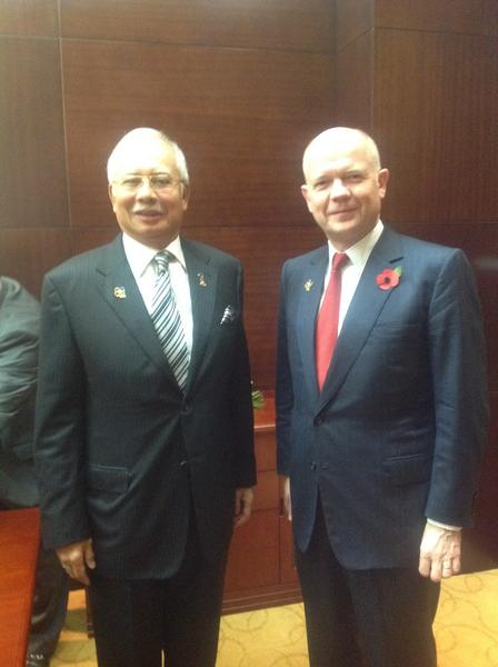 UK and Malaysia working to double trade between our countries. Met Prime Minister Najib to discuss progress #ASEM http://pic.twitter.com/hGB0nrYn
