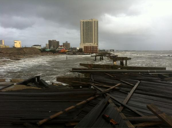 Yes-this is end of boardwalk RT @Ginger_Zee: We should clarify-- this is not the pier with the mall in it! @SerenaMarsh http://pic.twitter.com/cbOIs2Mt